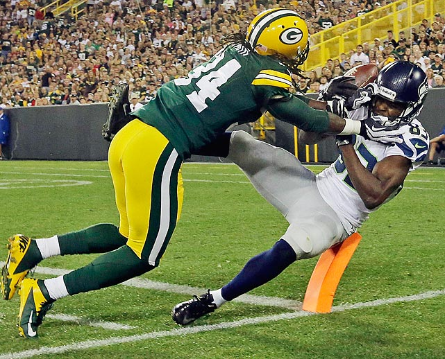 Green Bay's Brandon Smith breaks up a pass intended for Seattle's Stephen Williams.