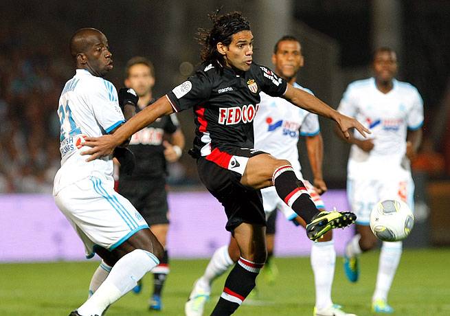 Radamel Falcao (right) tallied for Monaco right after halftime in the victory over Marseille.