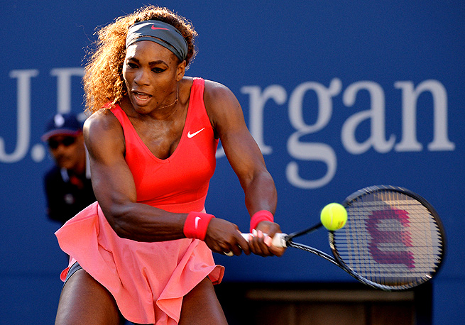 Serena Williams pounded 19 winners, including four aces, to Li Na's eight, in their semifinal matchup.