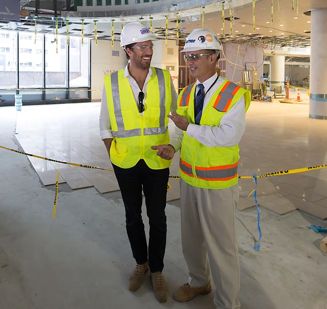 The New York Rangere' natty netmimnder was all giggles and grins as he toured the world's most famous arena during Phase 3 of the renovation of Madison Square Garden.