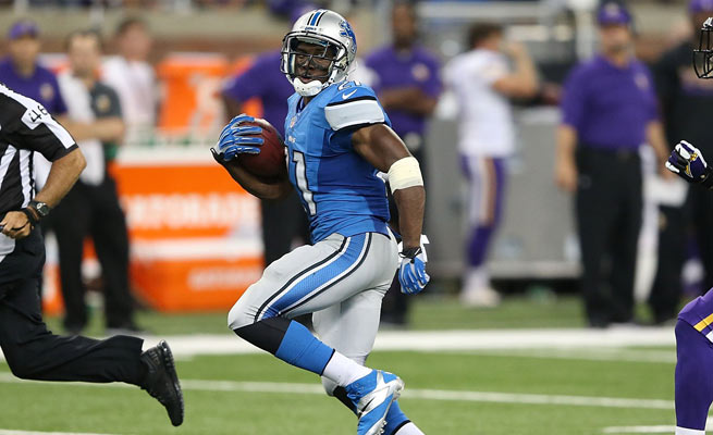 Reggie Bush's first game with the Lions resulted in 191 total yards, a touchdown and a victory.