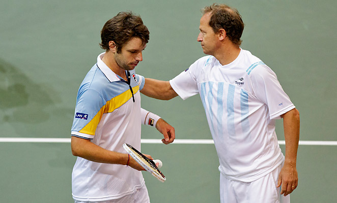 Horatio Zeballos (left) and Argentina fell in the semifinal of the Davis Cup.