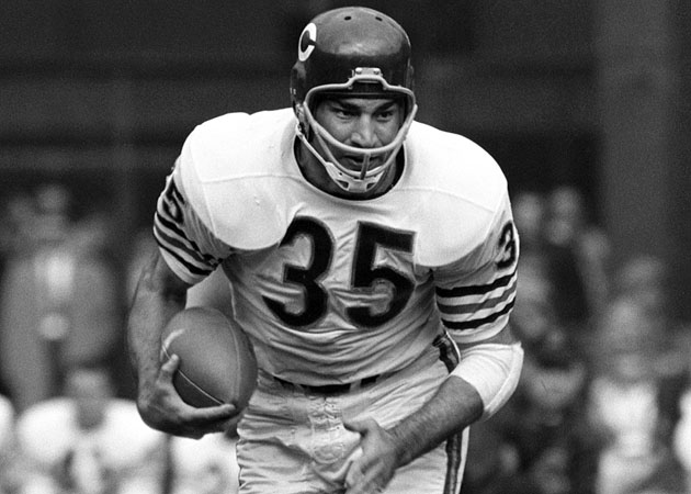 Casares played 10 seasons in Chicago and ran for 5,675 yards, the team's all-time leader at the time.