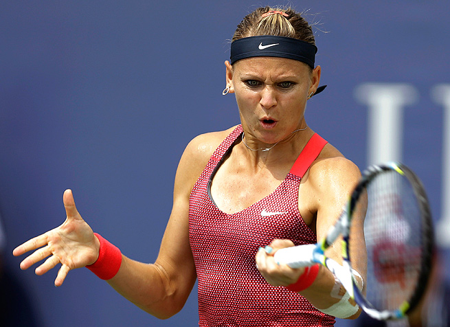 Lucie Safarova defeated Marina Erakovic in the finals of the Bell Challenge in Quebec.