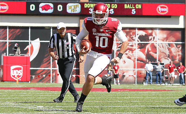 Quarterback Brandon Allen left Arkansas's 24-3 win over Southern Miss with a bruised right shoulder.