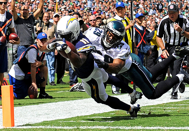 Eddie Royal dives into the endzone for a touchdown against the Philadelphia Eagles in Week 2.