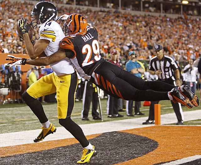 Pittsburgh's Derek Moye got both feet down for the Steelers lone touchdown against Cincinnati