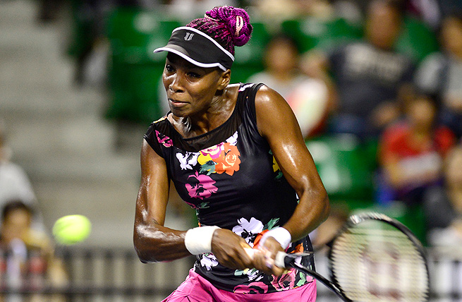 Venus Williams continues her run through the Pan Pacific Open with a victory over Simona Halep.