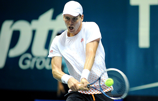 Tomas Berdych defeated Yen-hsun Lu, maintaining his streak of never losing before the semifinals in Thailand.