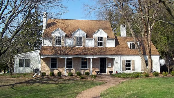 As of September 2013, the Green Bay home of the legendary Packers coach is on the market for a modest $499,000.