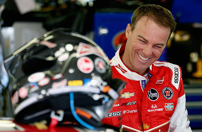 Kevin Harvick's win at Kansas on Sunday boosted him into the top 3 in the Chase points standings.