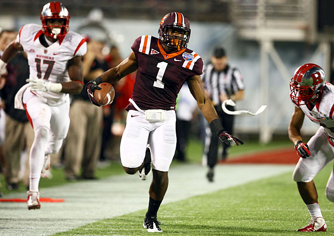 After helping lead Virginia Tech to a bowl victory in December, Antone Exum (1) tore his ACL in January.