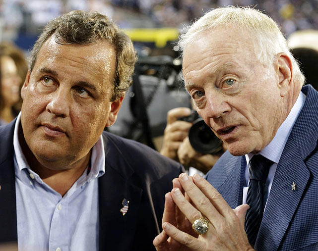 Chris Christie took in the Giants-Cowboys game from Jerry Jones's AT&T Stadium suite -- where the New Jersey governor <underline>rooted for Dallas.</underline>