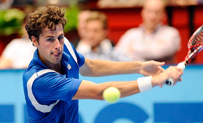 Robin Haase scored an upset of Frenchman Jo-Wilfred Tsonga to set up a final date with Tommy Haas.