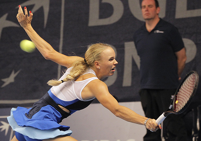 Caroline Wozniacki cotninued her strong play in Luxembourg by taking down Sabine Lisicki.