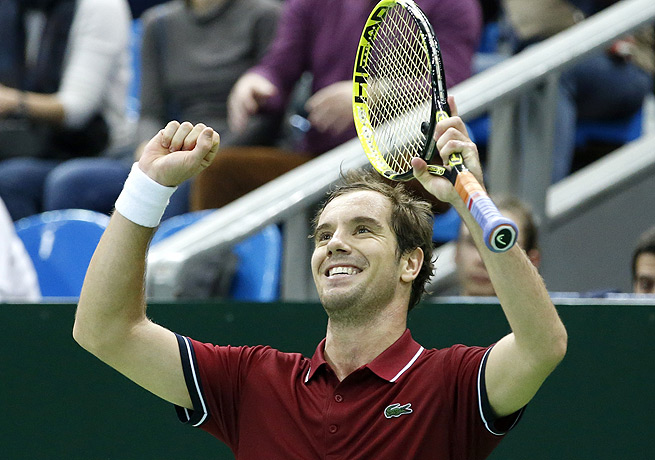 Richard Gasquet went down a set to Mikhail Kukushkin before rallying to win the Kremlin Cup in Moscow.