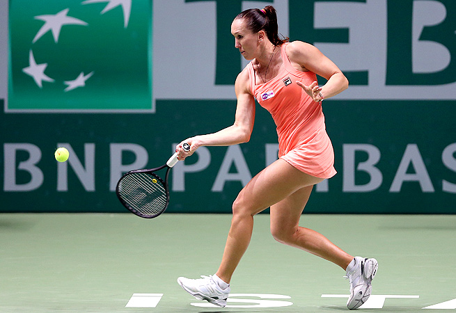 Jelena Jankovic's steady play gave her the edge during her match against Victoria Azarenka.