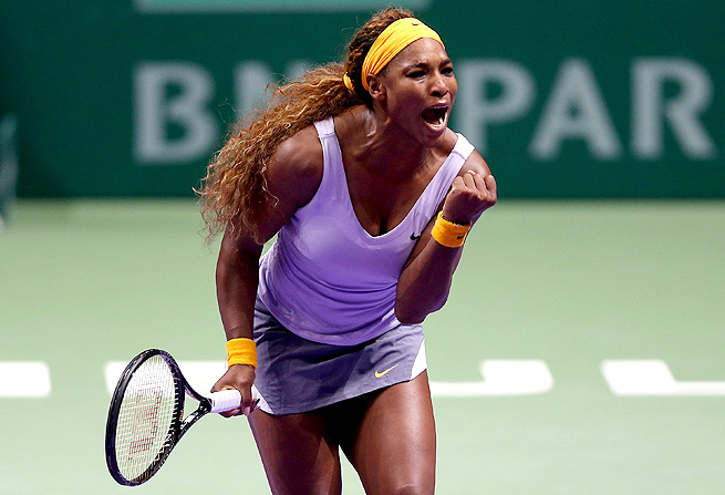 Serena Williams topped Petra Kvitova to clinch a spot in the WTA Championships semifinals.