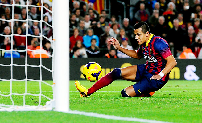 Alexis Sanchez scored the game's lone goal to give Barcelona the victory over Espanyol.