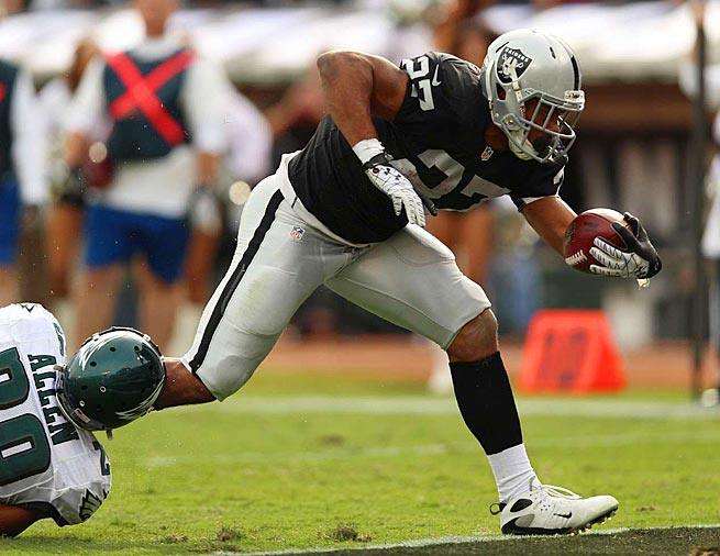 Rashad Jennings has moved into the Raiders' top running back slot, with Darren McFadden injured.