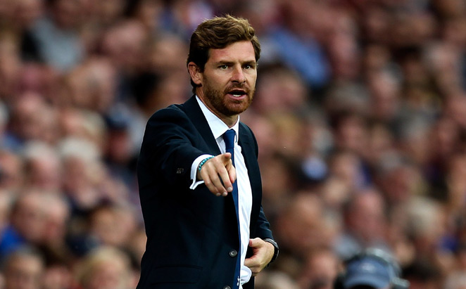 Tottenham manager Andre Villas-Boas has rushed to the defense of his medical staff, which has come under fire for its handling of goalkeeper Hugo Lloris' head injury.