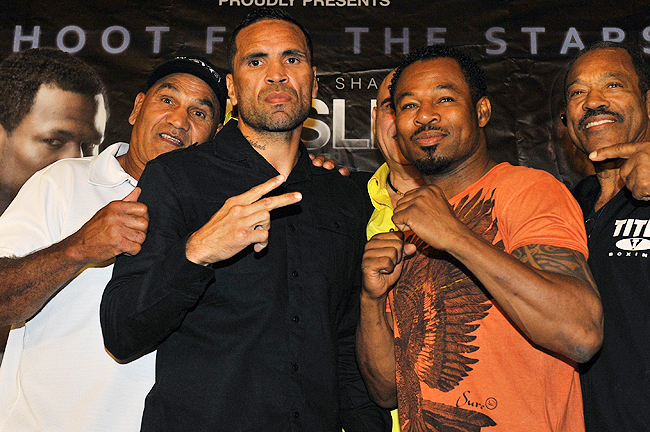 The 42-year-old Mosley (right) was originally scheduled to fight Mundine on October 23rd.