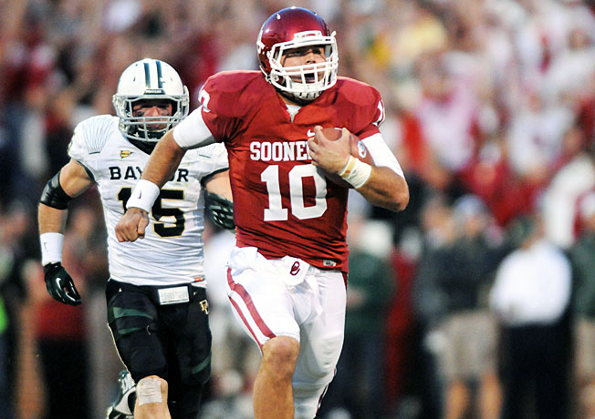 Can quarterback Blake Bell (10) and Oklahoma keep pace with high-scoring Baylor in Waco on Thursday?
