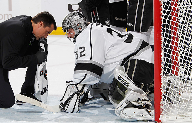 Jonathan Quick was 10-5 for the Kings before being sidelined by an undisclosed injury.