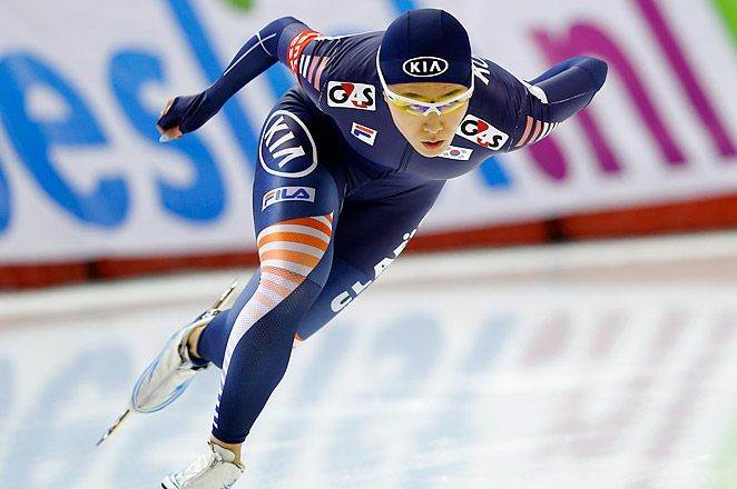 South Korea's Lee Sang-hwa finished in 36.57 seconds at Friday's World Cup speedskating meet at the Utah Olympic Oval.