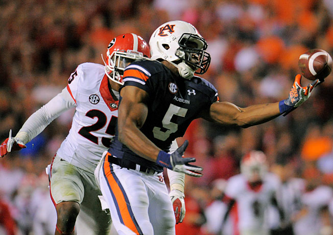 Auburn's Ricardo Louis (5) made an incredible 73-yard touchdown catch to beat Georgia on Saturday.
