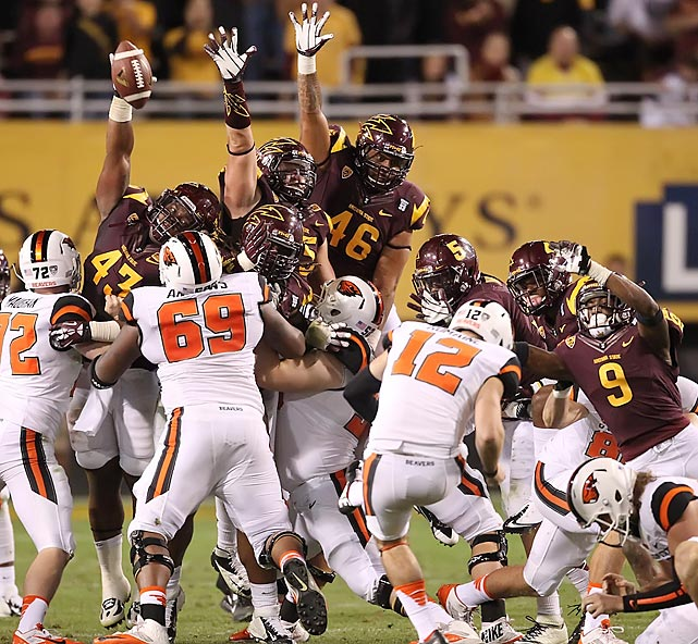 Arizona State's Davon Coleman blocks a field-goal attempt from Oregon State kicker Trevor Romaine in the fourth quarter.