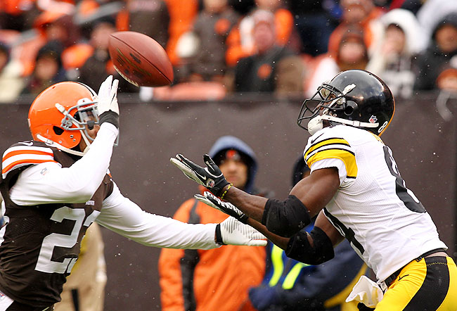 Lockdown corner Joe Haden (left) was unable to contain Steelers' WR Antonio Brown Sunday.