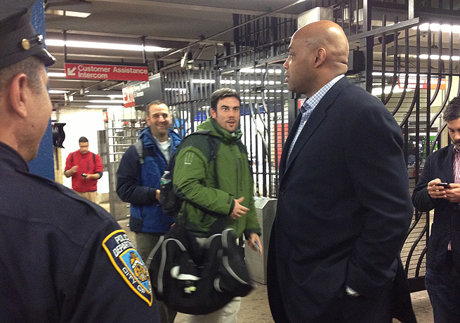 Charles Barkley attracted more than a fair number of gawkers while taking the subway for the first time.