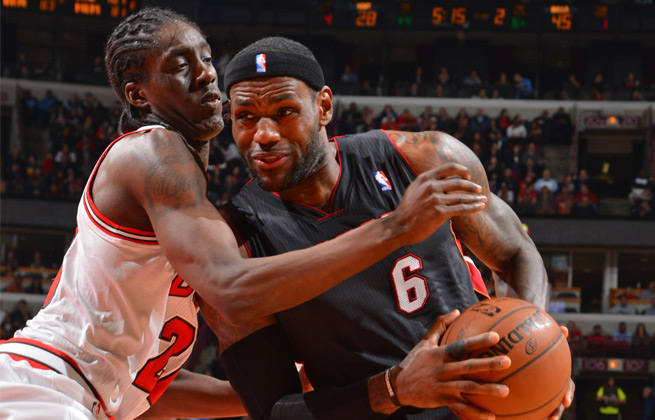 LeBron James finished with 21 points but struggled to find good looks in a big loss to Chicago.