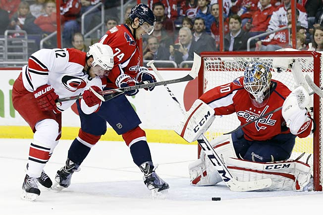 An intensely focused goaltender, Braden Holtby leans on his goalie coach in tough times.