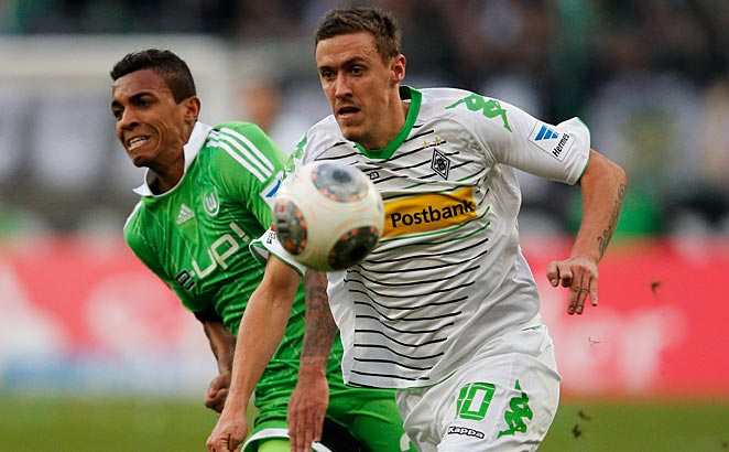 Borussia Moenchengladbach's draw moves them into third in the Bundesliga before the winter break.