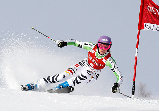 Maria Hoefl-Riesch, the defending World Cup champion, came in fifth at Val d'Isere.