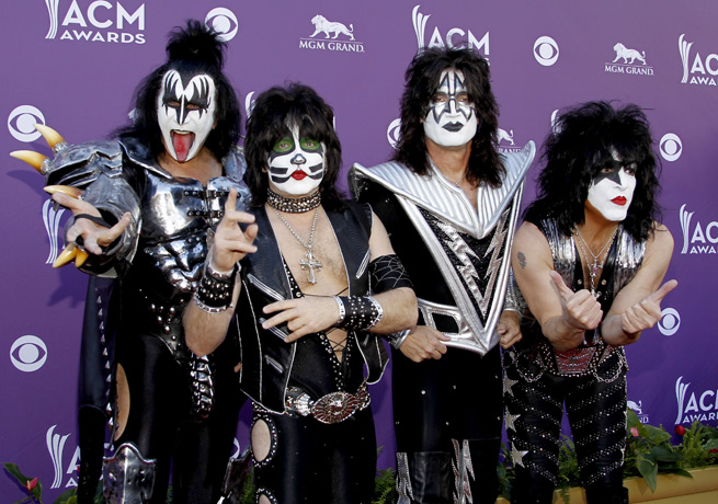 Kiss will add to the anticipated spectacle of the Kings and Ducks playing outdoors in Los Angeles.