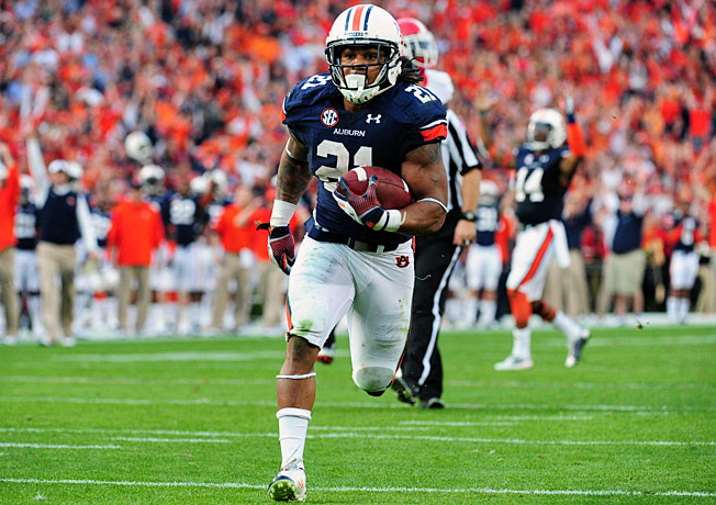 Auburn's Tre Mason broke Bo Jackson's school record with 2,137 all-purpose yards this season.