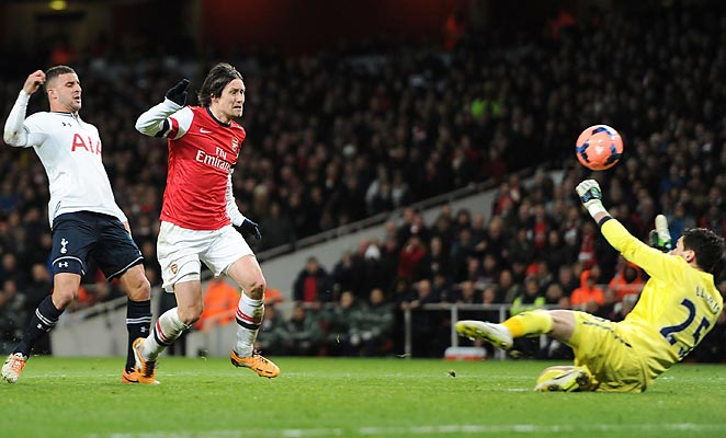 Thomas Rosicky scored Arsenal's second goal on a breakaway in a 2-0 win over Tottenham in the FA Cup.
