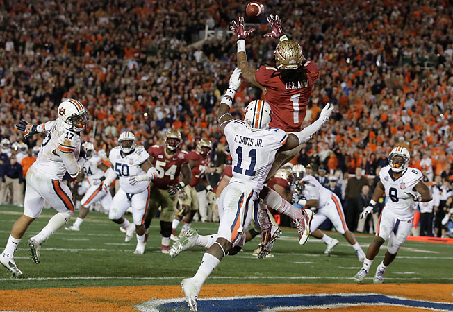 Kelvin Benjamin (1) outjumped Auburn's Chris Davis (11) for Florida State's game-winning touchdown.