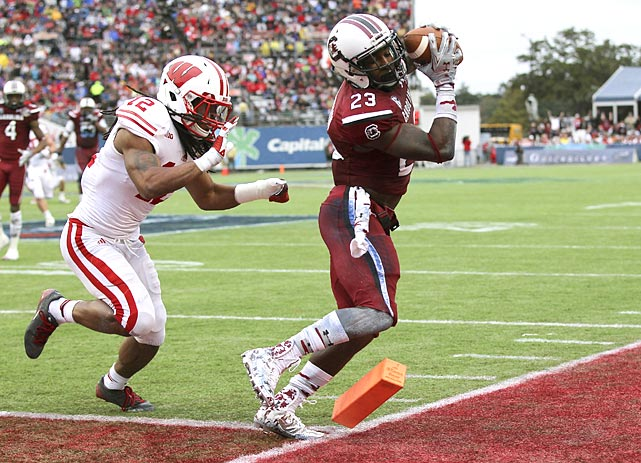 A year after scoring the game-winning touchdown in the Outback Bowl, Ellington again proved integral to the Gamecocks' success. He caught six passes for 140 yards and two scores, and also threw a reverse touchdown pass to quarterback Connor Shaw in South Carolina's 34-24 victory over Wisconsin in the Capital One Bowl.