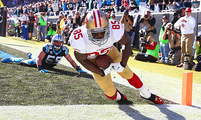 The officials orginally ruled that this Vernon Davis catch wasn't a touchdown, but San Francisco got the six points after a video review.