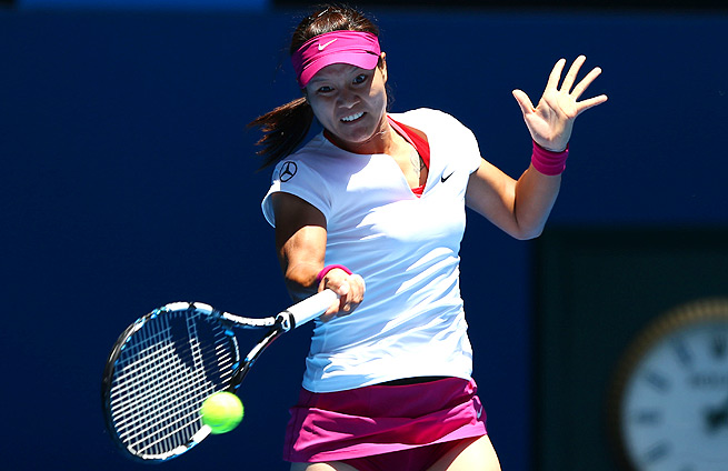 Li Na topped 16-year-old Ana Konjuh 6-2, 6-0, and plays 16-year-old, Belinda Bencic on Tuesday.