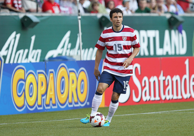 U.S. defender Michael Parkhurst is looking for a new club after being let go from Bundesliga side Augsburg.