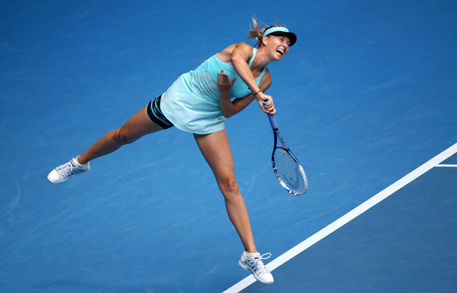After enduring brutal heat, Maria Sharapova was aided by cooler temps in the third round.