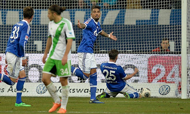 Kevin-Prince Boateng scored as Schalke went fourth in the Bundesliga with a win against Wolfsburg.