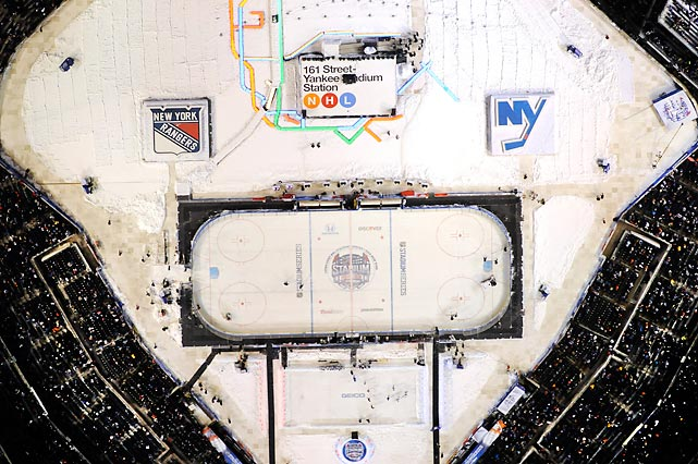 The New York Rangers and New York Islanders play at Yankee Stadium on Wednesday. The Rangers won 2-1.