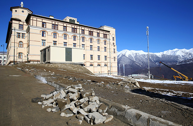 Construction is still going on at the Gorky Gorod 960 hotel up at the mountain cluster near Sochi.