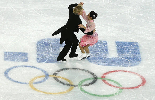 U.S. skaters Meryl Davis and Charlie White will face Canadian rivals Tessa Virtue and Scott Moir.